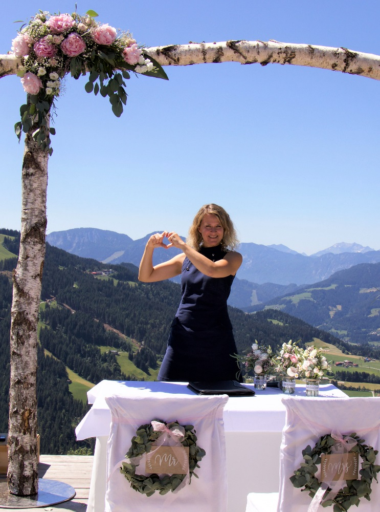 Traurednerin Ingrid Rupp aus Heidelberg von freiheiraten traut in den Bergen
